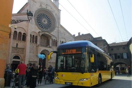 Bus Tour di Seta