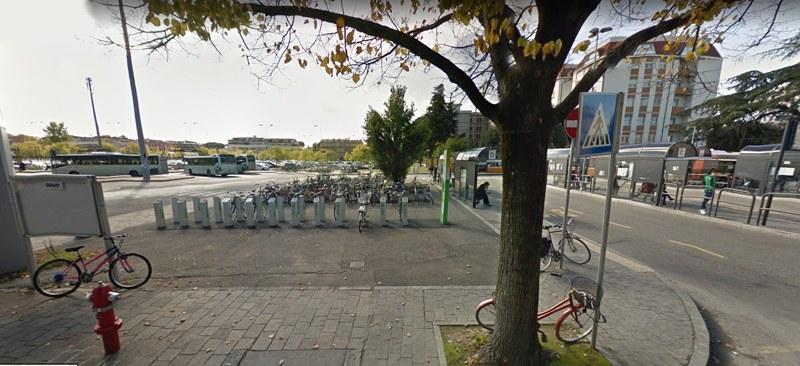 Zona rastrelliera e bike sharing