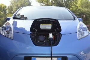 Emilia-Romagna, in arrivo una rete pubblica di 2mila colonnine per la ricarica dei veicoli elettrici