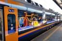 In vacanza col treno: 132 regionali al giorno e 70mila posti per il mare. Corse per Ciclovia del Sole e Appennino bolognese