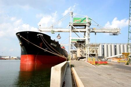 Porto di Ravenna, in arrivo altri 130 milioni di euro per l'ingresso delle navi container