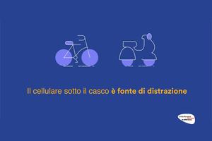 Il cellulare sotto il casco è fonte di distrazione